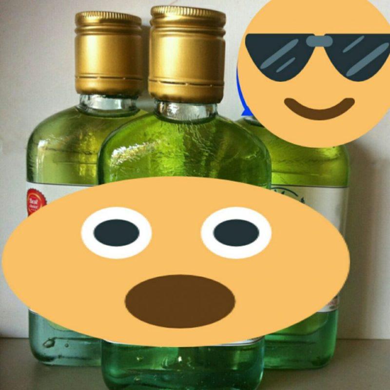 Tinh dầu tràm giả có màu xanh