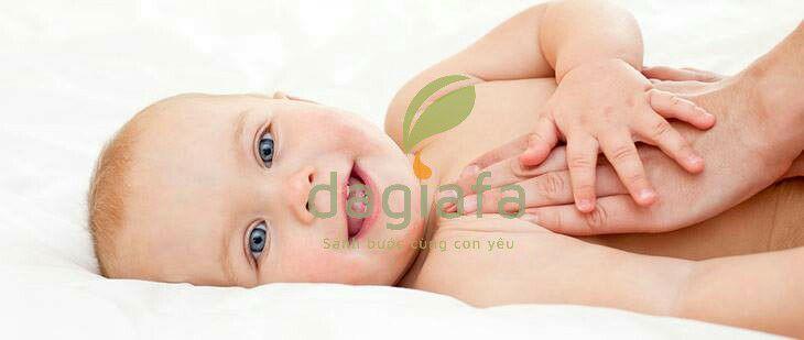 Cách sử dụng dầu tràm cho trẻ sơ sinh và trẻ em _ massage trẻ