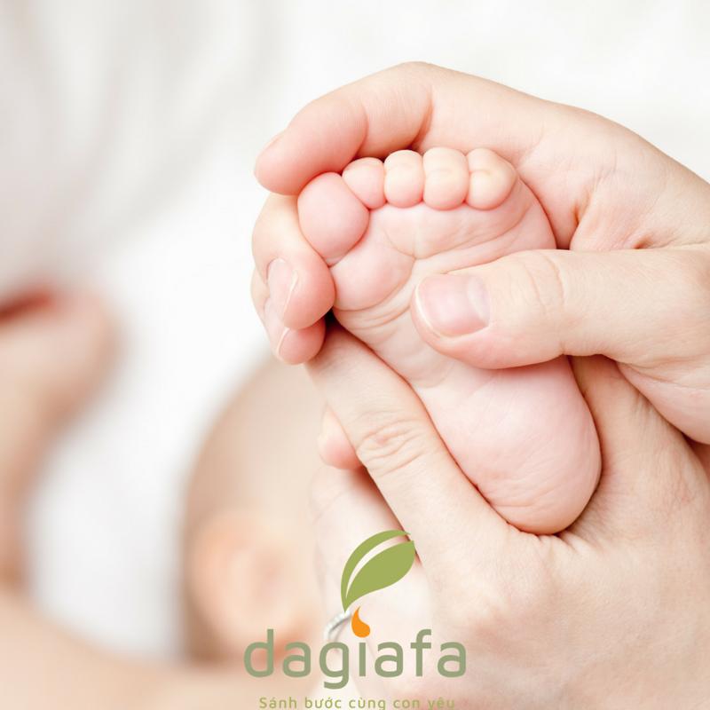 Cách dùng dầu tràm cho trẻ em và trẻ sơ sinh